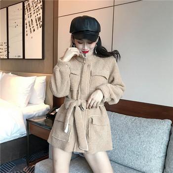Тънко пухено палто с колан и джобове