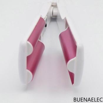 Πρέσσα μαλλιών με κεραμικό πλακάκι σε λευκό χρώμα