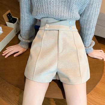 Къси панталони с висока талия и копчета в черен цвят