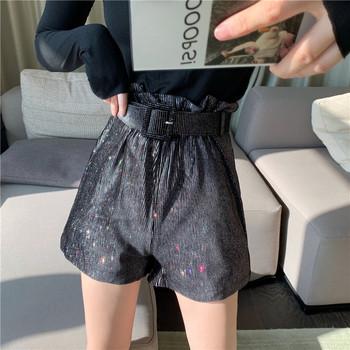 Модерни къси панталони с пайети и колан в черен цвят