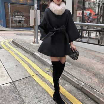 Дамско елегантно широко палто с пух