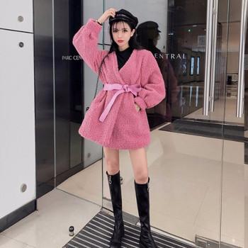 Дамско пухено  зимно палто с шпиц деколте в розов и син цвят