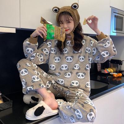 Дамска актуална пижама в два цвята с щампа