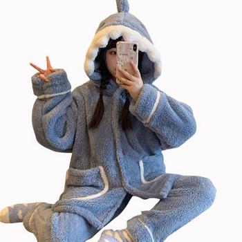 Дамска актуална пижама в син цвят с качулка