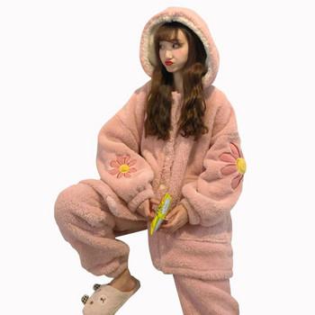 Дамска актуална пижама в розов цвят с флорални мотиви