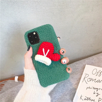 Коледен калъф в зелен и бял цвят за  Iphone 11 Pro Max с 3D елемент ръкавици