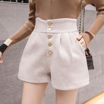 Къси дамски панталони широк модел с висока талия и копчета