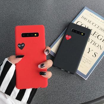 Твърд матов гръб със сърце за Samsung S10 в червен и черен цвят