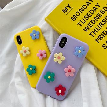 Калъф за Iphone X/XS  с 3D елемент цветя