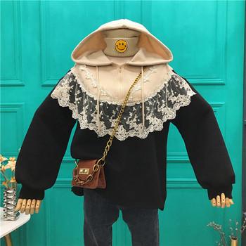 Дамски суичър с цип,дантела и качулка в черен и бежов цвят - широк модел