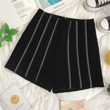 Модерни дамски къси панталони с висока талия в черен цвят