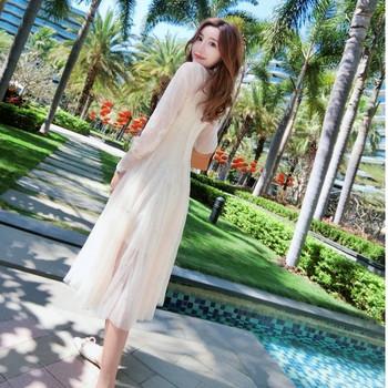 Елегантна дамска рокля от тюл и поло яка - разкроен модел