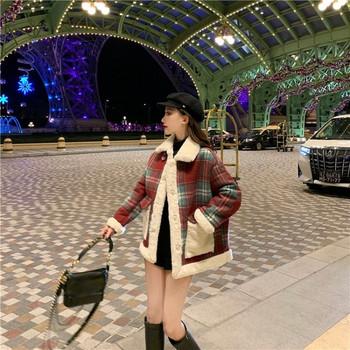 Плътно зимно карирано палто с копчета и джобове