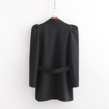Модерно есенно сако в черен цвят с буфан ръкав ,дълбоко деколте и колан