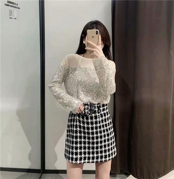 Елегантна дамска блуза с тюл и пайети в сребрист цвят