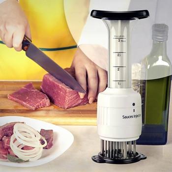 Кухненски уред за мариноване на месо с мерителен инжекцион в бял цвят