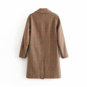 Дълго вълнено карирано палто с копчета и джобове в кафяв цвят