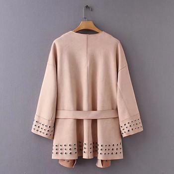 Дамско модерно пролетно-есенно палто от еко велур с метални елементи и колан в розов цвят
