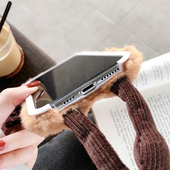 НОВО 3D плюшен коледен калъф за Iphone 11 Pro Max в червен и кафяв цвят