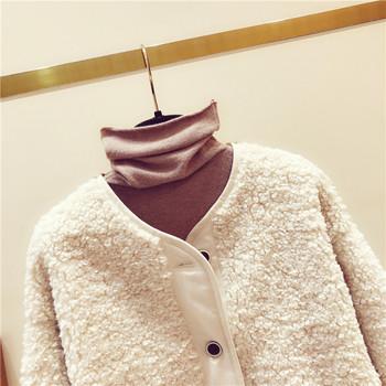 Модерно дамско палто с копчета в кафяв и бежов цвят