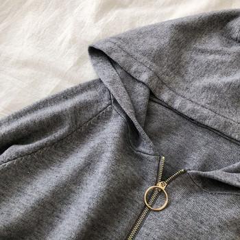 Ежедневен дамски суичър в черен,бял,сив и бежов цвят с джобове и качулка