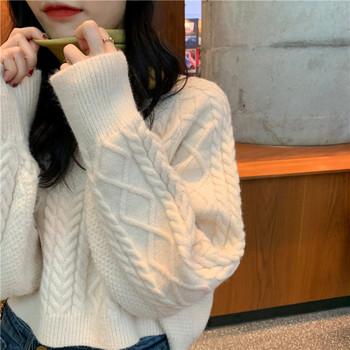 Модерна дамска къса плетена луза в три цвята с шпиц деколте