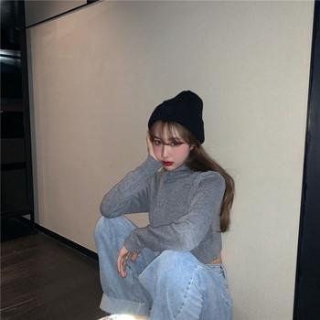 Дамски къс пуловер с висока яка в два цвята