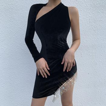 Стилна дамска рокля от кадифе с един ръкав в черен,червен и бял цвят