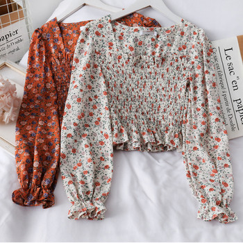 Дамска блуза с флорални мотиви и квадратно деколте