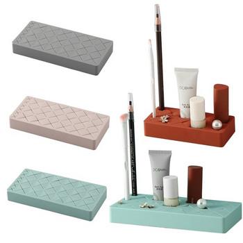 Практична силиконова поставка с 24 места подходяща за гримове, моливи и тоалетни принадлежности