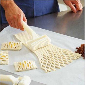 1 бр.   Ролкова резачка от пластмаса за рязане на тесто