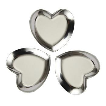 Комплект от три чинии от неръждаема стомана във формата на сърце подходящи за десерти