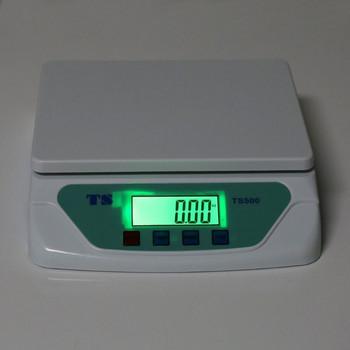 Електронна кухненска везна с функция за калибриране и капацитет 30кг